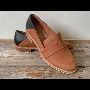 Tom's 'Mallory' Nubuck Leather Loafers